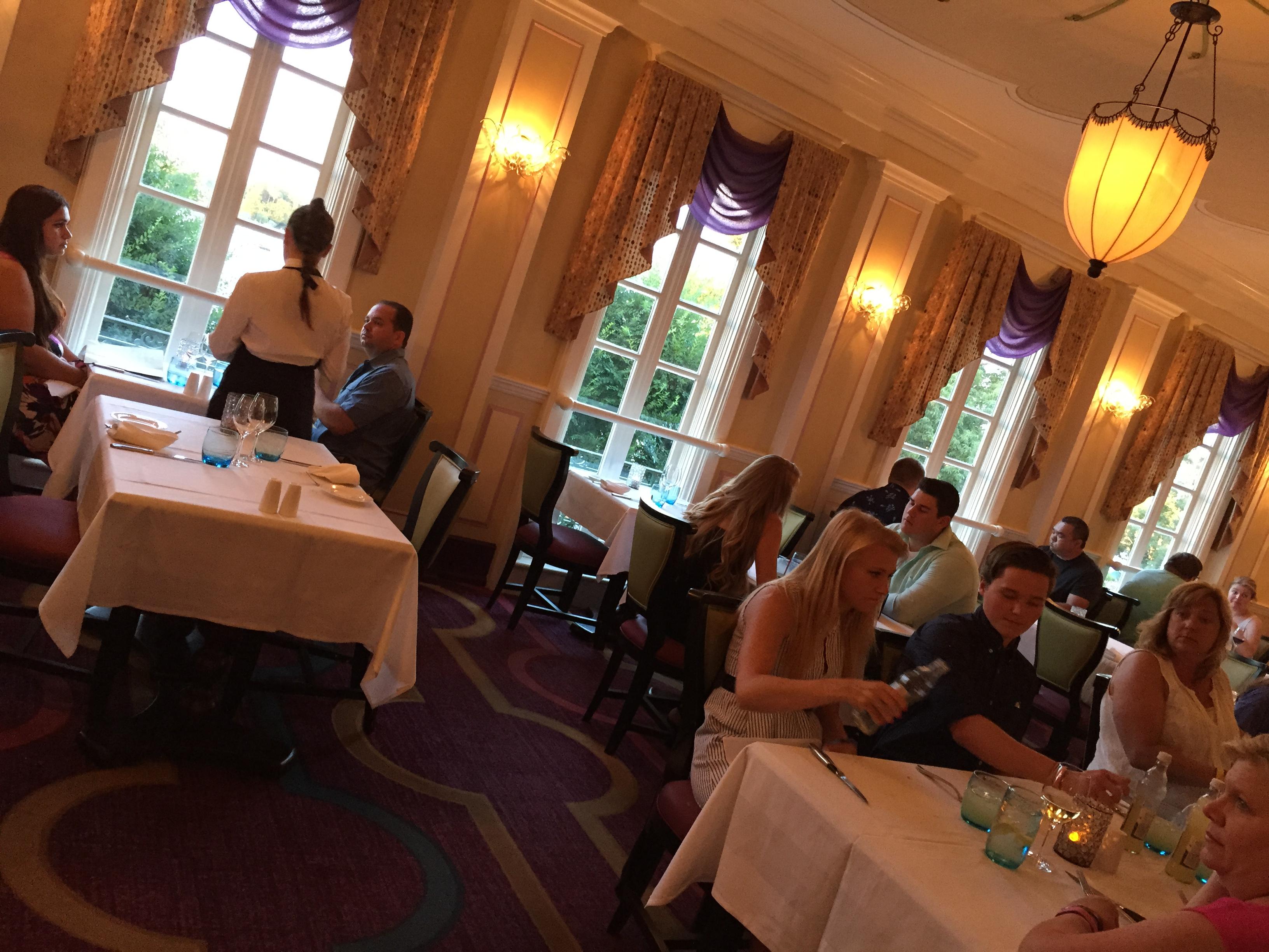 Ponto Orlando Restaurante na Disney Dicas da Disney Monsieur Paul Epcot 3