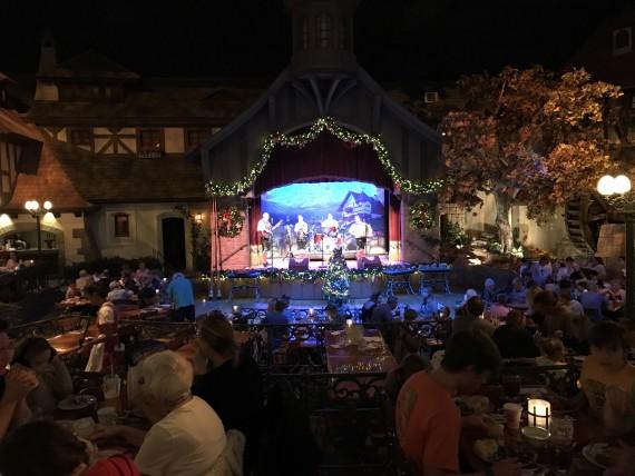 Ponto Orlando Restaurantes na Disney Biergarten 002