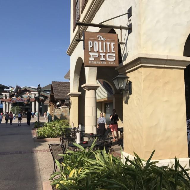 Ponto Orlando Restaurantes na Disney Polite Pig 002