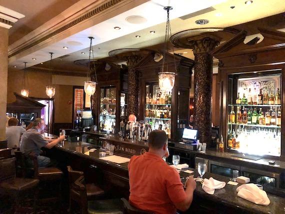 Ponto Orlando Restaurantes na Disney Raglan Road NEW 005