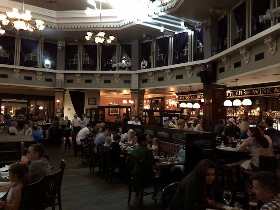 Ponto Orlando Restaurantes na Disney Raglan Road NEW 003
