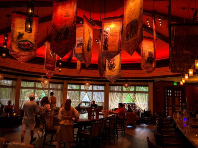 Ponto Orlando Restaurantes na Disney Nomad Lounge 002